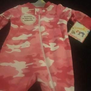 Preemie  pink sleeper